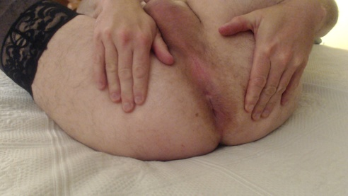 Daddy Spreading That Whore Hole To Breed!