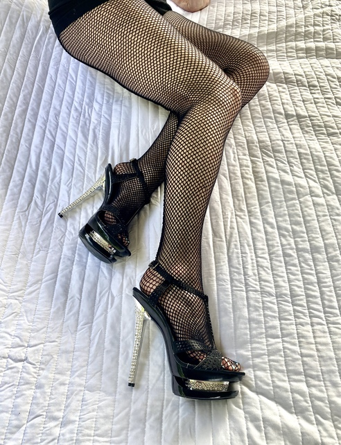 Stilettos and fishnets!!!going to be a sexy night!