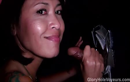 Lizveth Sucks Black Gloyhole Cock